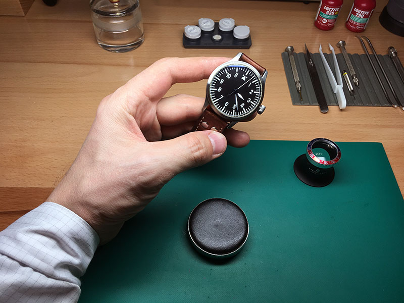 Часы центр сервисный сдать в swatch часы сколько можно за продать
